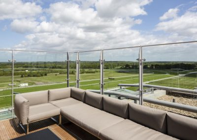 C3040-2-Ascot-Racecourse-On5-Restaurant-Terrace-Balustrade